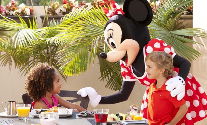 Hôtel Hilton Orlando Lake Buena Vista  - Personnages Disney