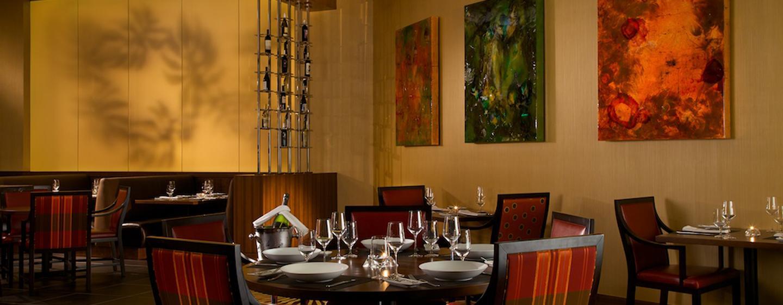 Lassen Sie sich im Steakhouse des Hotels leckere Spezialitäten schmecken