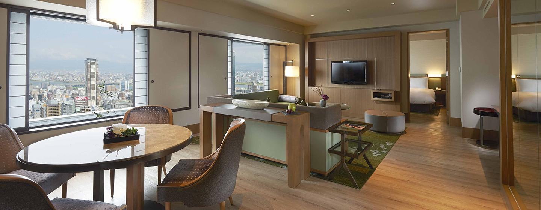 Die Tower Suite bieten Ihnen ein unglaubliches Panorama auf die Wolkenkratzer der Stadt
