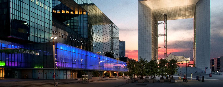 Genießen Sie den Aufenthalt im Hilton Paris La Defence am Grande Arche de la Défense