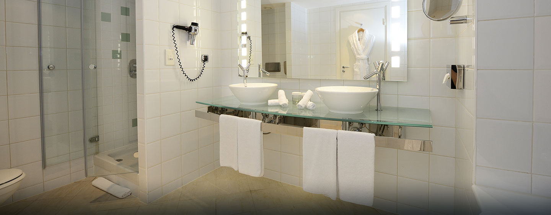 Hôtel Hilton Paris La Defense, France - Salle de bains de la suite présidentielle