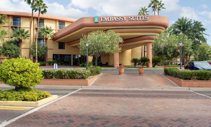 Embassy Suites Phoenix - Biltmore, EUA - Fachada del hotel