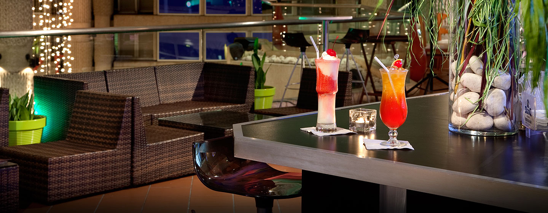 Hilton Ponce Golf & Casino Resort, Puerto Rico - Cócteles de Qbar