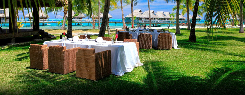 Hôtel Hilton Bora Bora Nui Resort & Spa, Polynésie française - Événement spécial sur la plage des rochers noirs