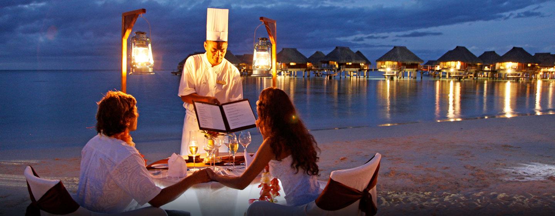 Hôtel Hilton Moorea Lagoon Resort & Spa, Polynésie française - Dîner romantique sur la plage