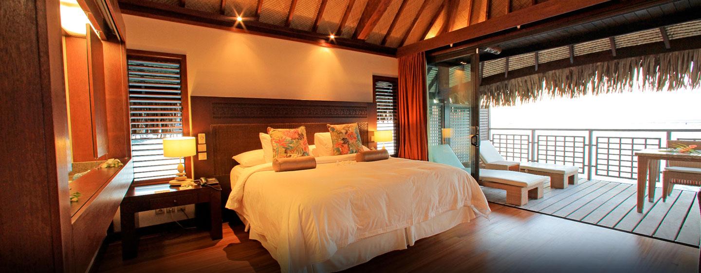 Hôtel Hilton Moorea Lagoon Resort & Spa, Polynésie française - Chambre à coucher d'un bungalow