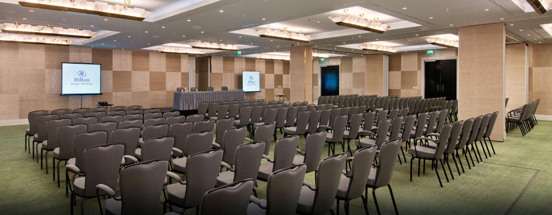 Im großen Ballsaal können Sie Konferenzen und andere Events veranstalten