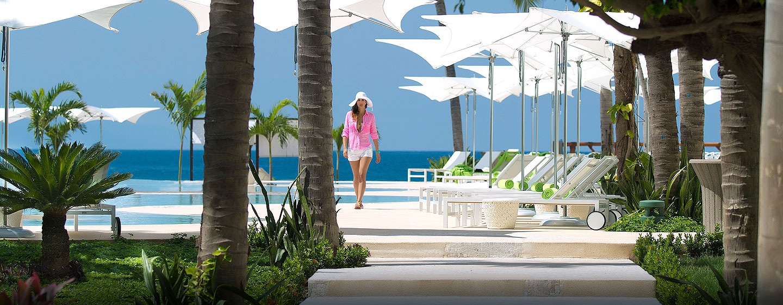 Hilton Puerto Vallarta Resort, Jalisco, México - Área de la piscina