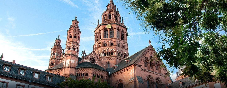Den Mainzer Dom und andere Sehenswürfigkeiten erreichen Sie, durch die Innenstadtlage des Hotels, bequem auch zu Fuß