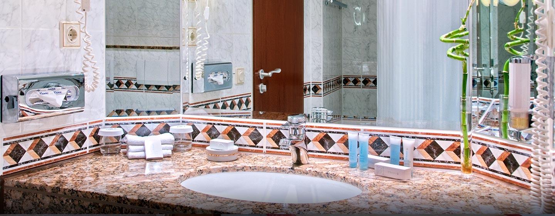 Die klassischen Badezimmer sind sehr gut ausgestattet