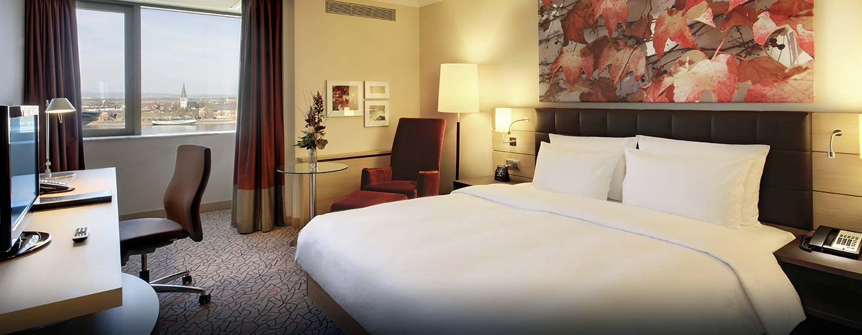 Bewundern Sie den Rhein aus Ihrem Deluxe Zimmer mit King-Size-Bett