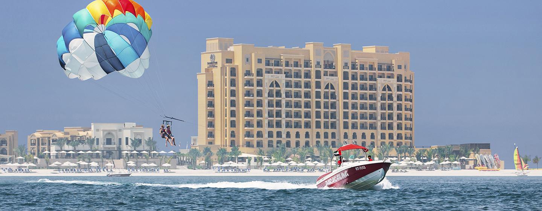 DoubleTree by Hilton Resort & Spa Marjan Island, Ras Al Khaimah, VAE - Gleitschirmfliegen