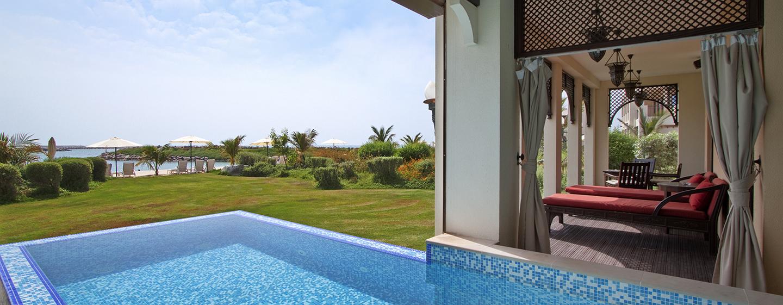 Die Suite in der Strandvilla ist mit einem separaten Swimmingpool ausgestattet