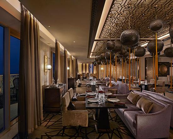 Waldorf Astoria Ras Al Khaimah -hotelli, Yhdistyneet arabiemiirikunnat - Marjan-ravintola