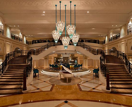 Waldorf Astoria Ras Al Khaimah -hotelli, Yhdistyneet arabiemiirikunnat - Peacock Alley -ravintola