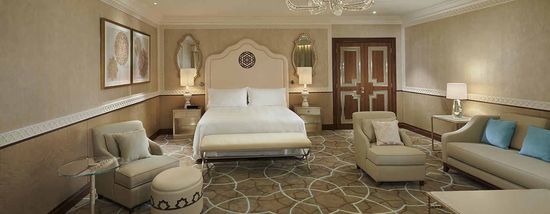 Waldorf Astoria Ras Al Khaimah -hotelli, Yhdistyneet arabiemiirikunnat – Parivuoteellinen tornisviitti parvekkeella, - Parivuoteellinen tornisviitti parvekkeella - makuuhuone
