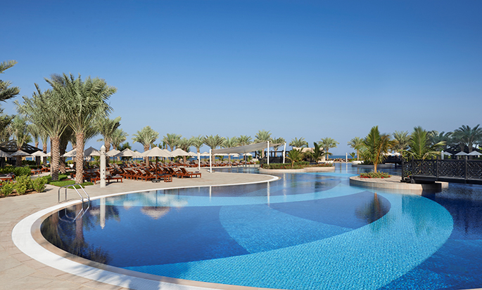 Waldorf Astoria Ras Al Khaimah -hotelli, Yhdistyneet arabiemiirikunnat – Uima-allas