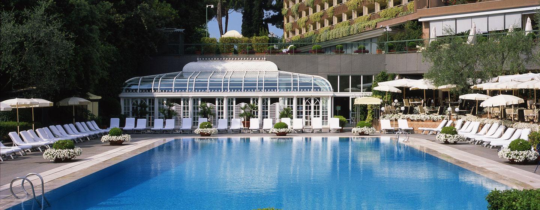 Hôtel Rome Cavalieri, Waldorf Astoria, Italie - Piscine extérieure