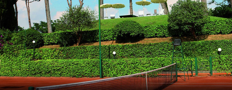 Eine Partie Tennis bietet Ihnen sportliche Abwechslung