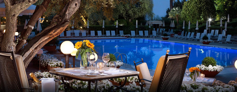 Lassen Sie sich im Außenbereich des Hotel italienische Küche schmecken