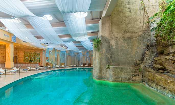 Hôtel Hilton Sorrento Palace, Italie - Piscine intérieure