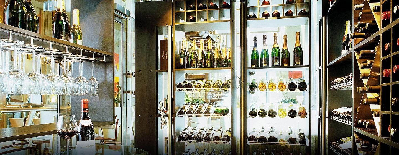 Hotel Hilton Sao Paulo Morumbi, Brasil - Bodega de vinos del bar Canvas