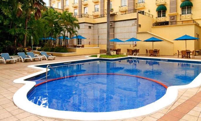 Hilton Princess San Pedro Sula Hotel, Honduras - Piscina al aire libre