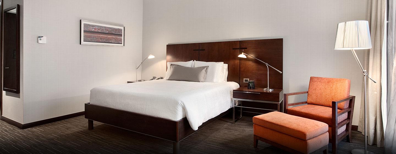 Hilton Garden Inn Santiago Airport, Chile - Habitación con cama King accesible para personas con discapacidades