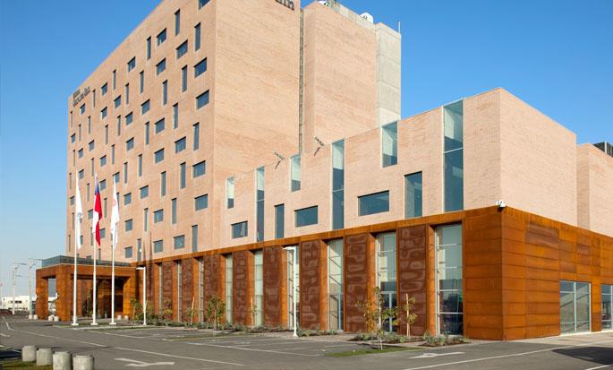 Hilton Garden Inn Santiago Airport, Chile - Fachada del hotel