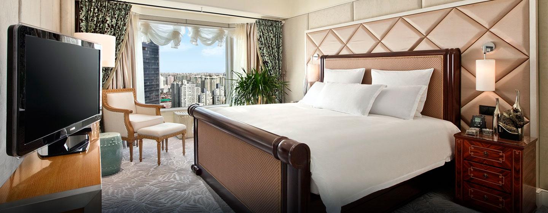 Prungvoll dekoriert und mit einem großzügigen Platzangebot begeistern die Deluxe Zimmer unsere Gäste