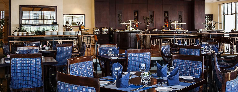 Im Restaurant werden Ihnen Speisen zum Frühstück, Mittagessen und Abendessen angeboten