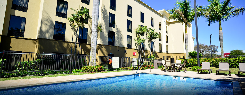 Hotel Hampton Inn & Suites by Hilton San José-Airport, Costa Rica - Piscina al aire libre