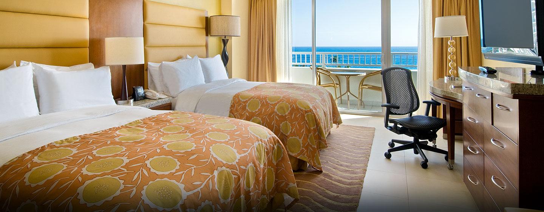 Hotel Caribe Hilton - Habitación con camas dobles y vista al mar