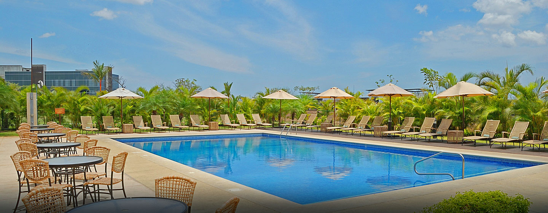 Hotel Hilton Garden Inn Liberia Airport, Costa Rica - Piscina al aire libre