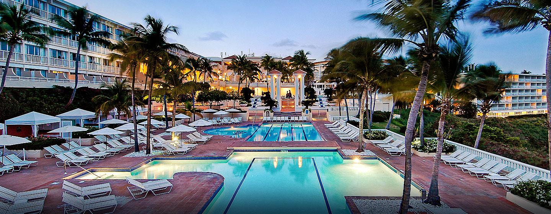 El Conquistador, un resort de Waldorf Astoria, Fajardo, Puerto Rico - Piscina al aire libre