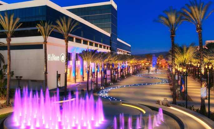 Hilton Anaheim, California - Hotel exterior