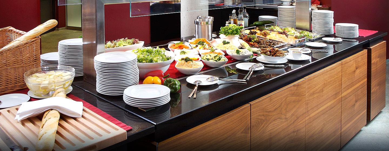 Kleine Snacks und Salate können Sie an unserem Buffet im Hotelrestaurant probieren