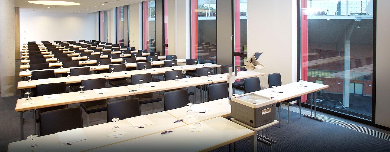 Laden Sie bis zu 130 Teilnehmer zu einer Veranstaltung im Hilton Garden Inn Stuttgart NeckarPark ein