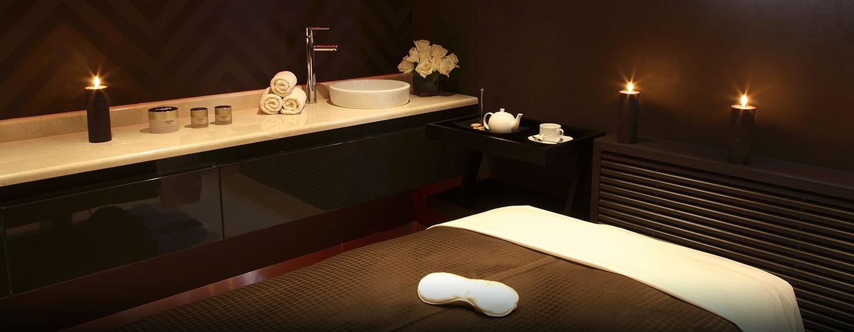 Im Spa-Bereich des Hotels können Sie sich mit einer Massage verwöhnen lassen