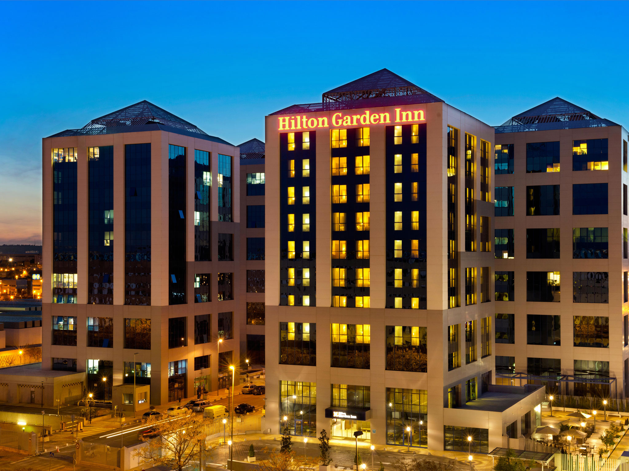Hoteles en espa a barcelona madrid mallorca hilton for Hotel calle sevilla madrid