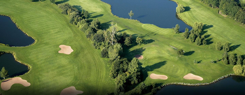 Hôtel Hilton Strasbourg, France - Vue aérienne d'un parcours de golf