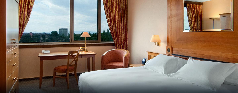 Hôtel Hilton Strasbourg, France - Chambre de luxe avec très grand lit
