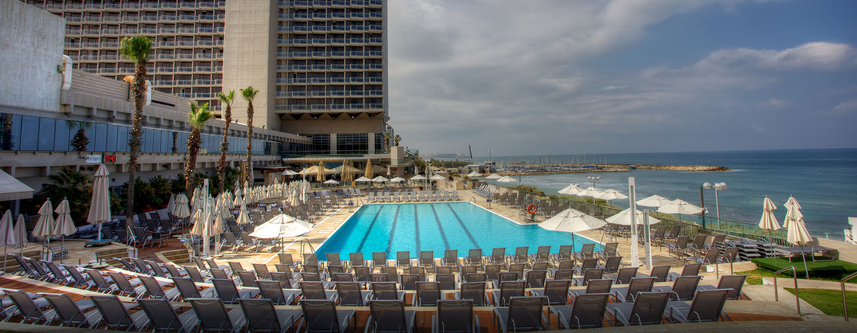Hôtel  Hilton Tel Aviv, Israel - Extérieur de l'hôtel et piscine