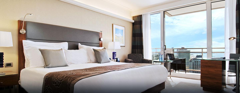 Hôtel Hilton Tel Aviv, Israël - Chambre exécutive avec un très grand lit