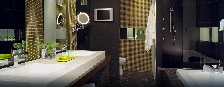 Hôtel Hilton Toronto, ON, Canada - Salle de bains de la suite Margery Steele