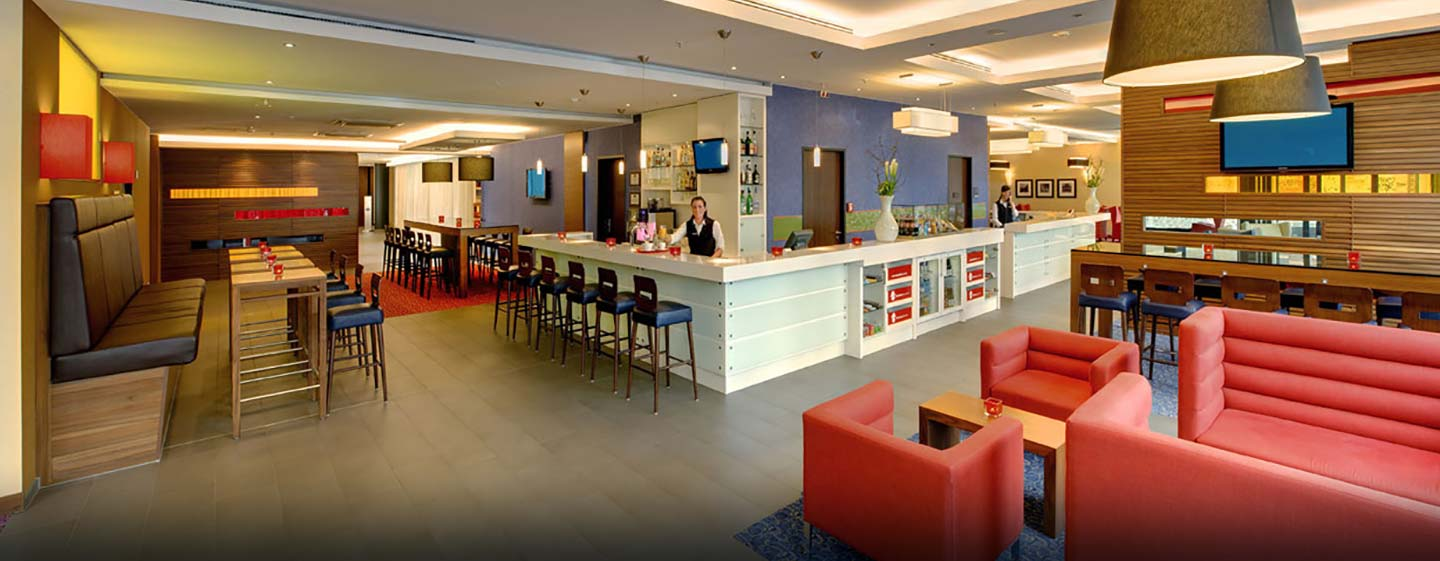 Hampton by Hilton Berlin City West, Deutschland – Bar