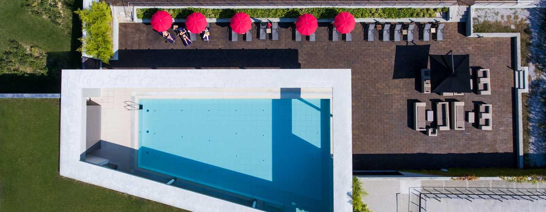 Hôtel DoubleTree by Hilton Hotel Venice - North, Italie - Vue aérienne de la piscine