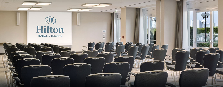 Ihre Präsentation wird durch die hoteleigene moderne Tagungstechnik unterterstützt