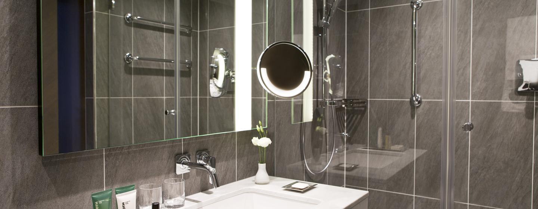 Erfrischen Sie sich im modernen Badezimmer