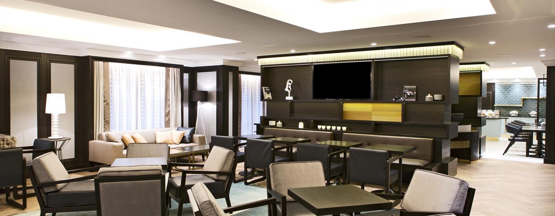 In der schönen Executive Lounge werden Ihnen kleine Snacks angeboten